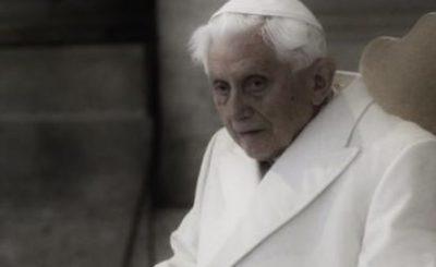 Były papież Benedykt XVI przebywa aktualnie w Niemczech, gdzie odwiedził swojego brata, Joseph Ratzinger pokazał się pierwszy raz od dłuższego czasu.