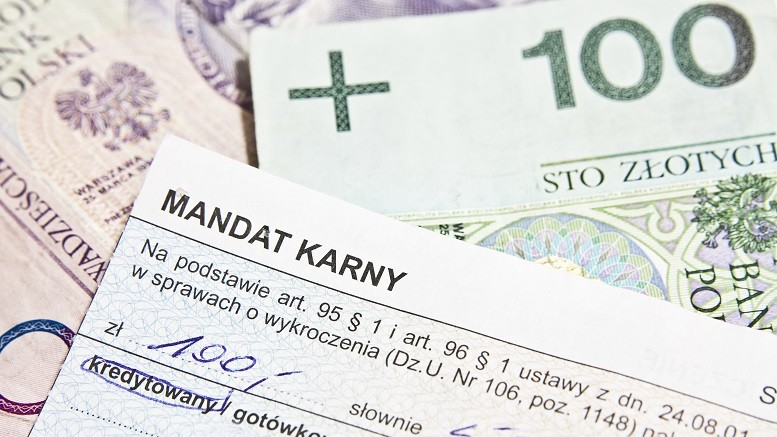 Nowe mandaty również w związku z koronawirusem chce wprowadzić MSWiA do powszechnego taryfikatora. Zobacz co znalazło się we wniosku