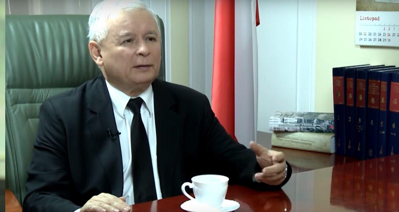 Na świecie szaleje koronawirus, tymczasem Jarosław Kaczyński nadal bardzo chce aby rocznica katastrofy w Smoleńsku doszła do skutku