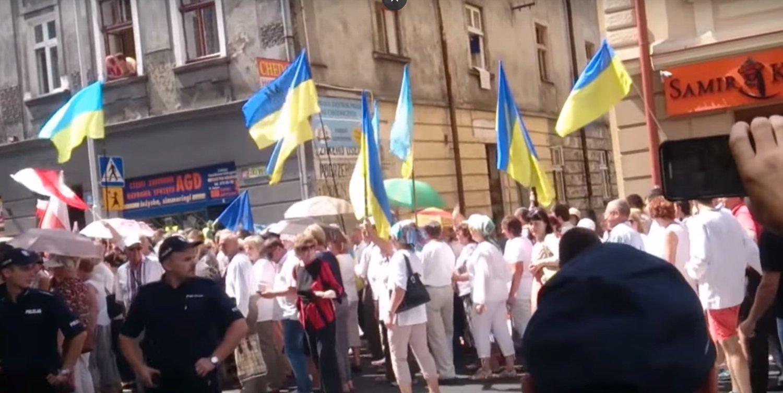 Ukraińcy w Polsce, praca w Polsce, praca dla Ukraińców, imigranci w Polsce, napływ Ukraińców do Polski. Wrzucili film i rozpętała się burza