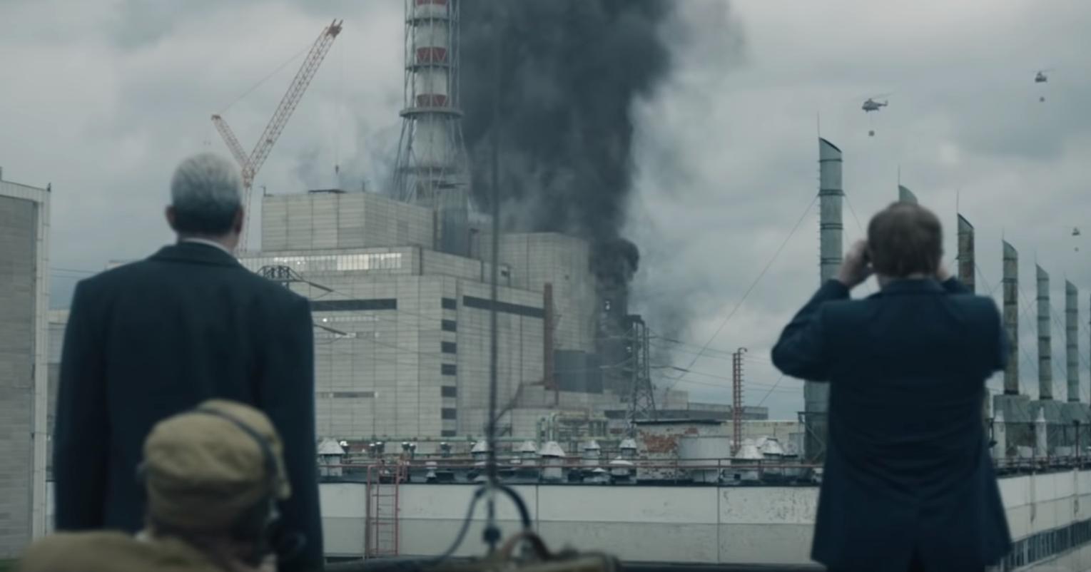 """""""Czarnobyl"""" (HBO) to serial o katastrofie w elektrowni atomowej. Prawdziwe wydarzenia mieszają się z fikcyjnymi. """"Czarnobyl"""" online tylko na HBOGO."""