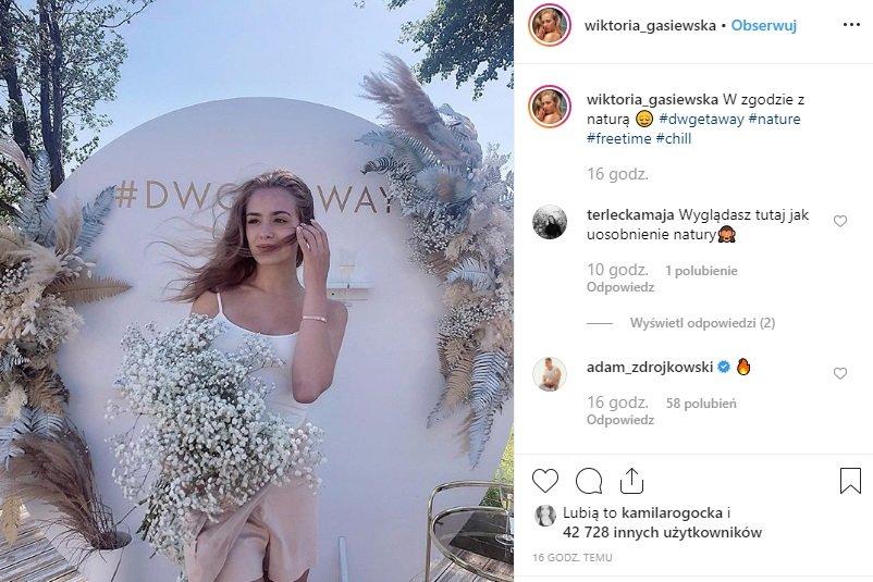 Wiktoria Gąsiewska, młoda gwiazda serialu Rodzinka Pl zaskakuje na Insta, tym razem pokazała się naturalnie i bez makijażu. Adam Zdrójkowski zachwycony