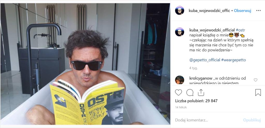 Kuba Wojewódzki szokuje, pokazał się nago na Instagram, kolejny skandal. Ciekawe co na to OSTR, gdyż Król TVN zasłania się... jego nowo wydaną książką!