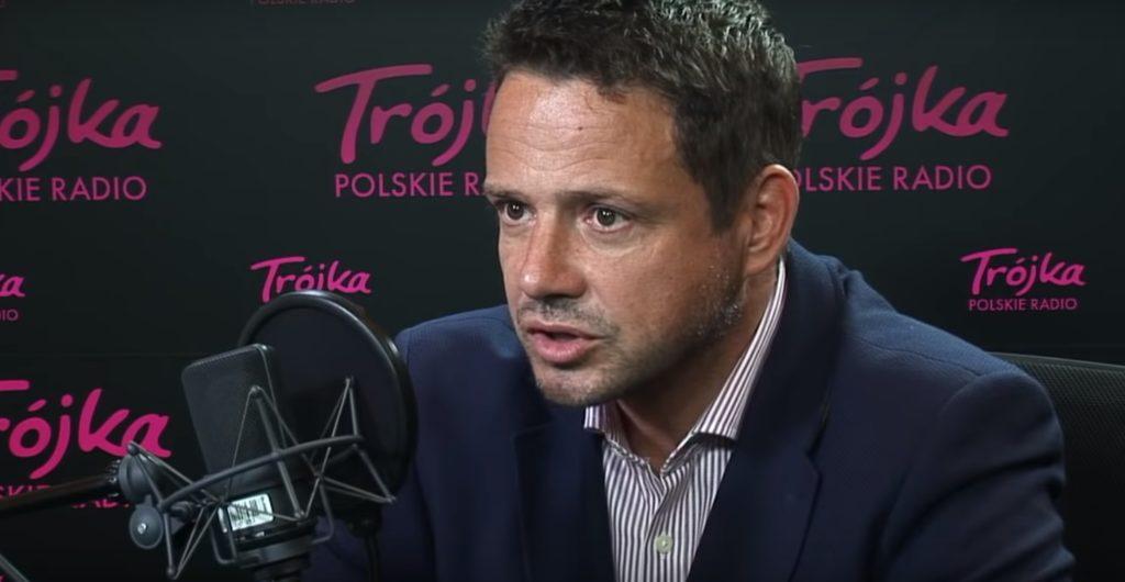 Wiadomości TVP wyemitowały materiał o Rafale Trzaskowskim nazywając go człowiekiem-usterka. w sieci zawrzało, głównie na stronach opozycyjnych