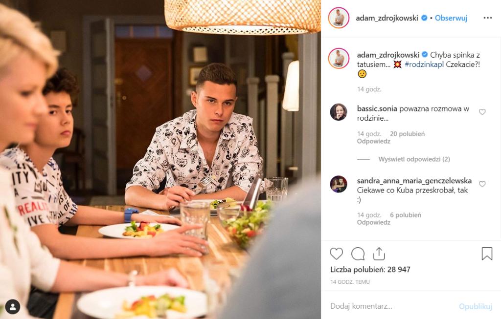 Adam Zdrójkowski ukazuje nam trochę z nowego sezonu Rodzinka.pl (TVP) na Instagram. W obsadzie również m.in. Małgorzata Kożuchowska i Wiktoria Gąsiewska.