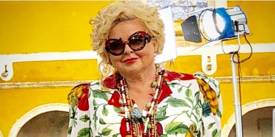 Ile zarabia Magda Gessler? Gwiazda TVN i show Kuchenne Rewolucje miała bardzo trudne chwile w życiu. Dziś biję rekordy popularności na portalu instagram.