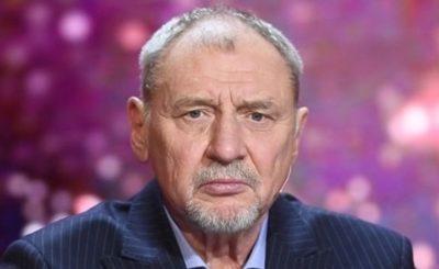 Świat według Kiepskich: Andrzej Grabowski ma problemy. To jego koniec w telewizji Polsat? Patryk Vega skomplikował mu karierę. Jarosław Kaczyński