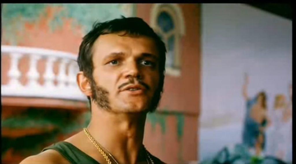 Cezary Pazura i Ciekawostki o nim, których nie znacie. Aktor jest aktywny na portalu instagram I YouTube. Psy  w imię zasad