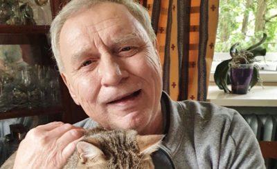 """Andrzej Grabowski wystąpi w filmie """"Polityka"""" (reż. Patryk Vega). Jarosław Kaczyński nie będzie zadowolony. Świat według Kiepskich."""