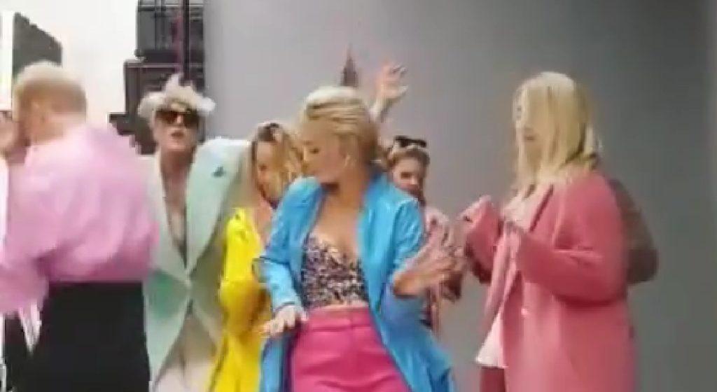 Barbara Kurdej Szatan i Magda Gessler szaleją na portalu instagram. Chodzi dokładnie o taneczne wzywanie gwiazdy TVN,  w którym bierze udział znana aktorka.