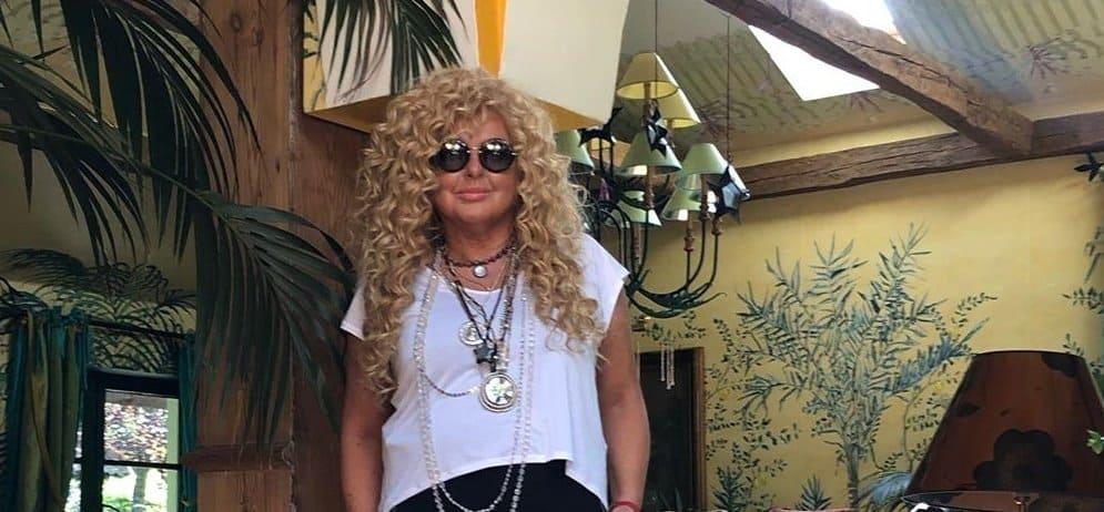 Magda Gessler śpiewa dla TVN. Gwiazda show Kuchenne Rewolucje zaśpiewała w ramówce komercyjnej stacji na portalu YouTube.