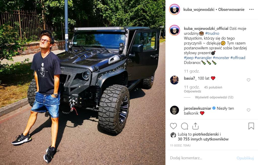 Kuba Wojewódzki właśnie obchodził urodziny i postanowił sprawić sobie nowe auto. Gwiazdor TVN pochwalił się tym na Instagram. Ile zarabia wojewódzki?