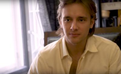 Maciej Musiał (Rodzinka.pl, TVP, Wiedźmin, Netflix) promuje na portalu Instagram akcję Bohateron. Ma ona na celu uhonorowanie codziennych bohaterów.