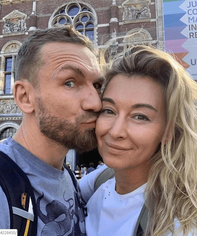 Martyna Wojciechowska (Kobieta na krańcu świata,TVN) i Przemek kossakowski są razem, zwiedzają Amsterdam, czym pochwalili się na portalu Instagram.