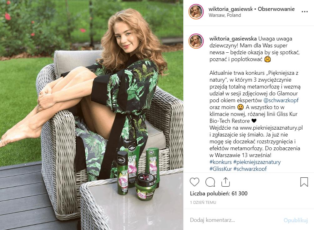 Wiktoria Gąsiewska (Rodzinka.pl, Barwy Szczęścia, TVP) pokazała nogi na portalu Instagram, fani zachwyceni jej naturalnym wyglądem.