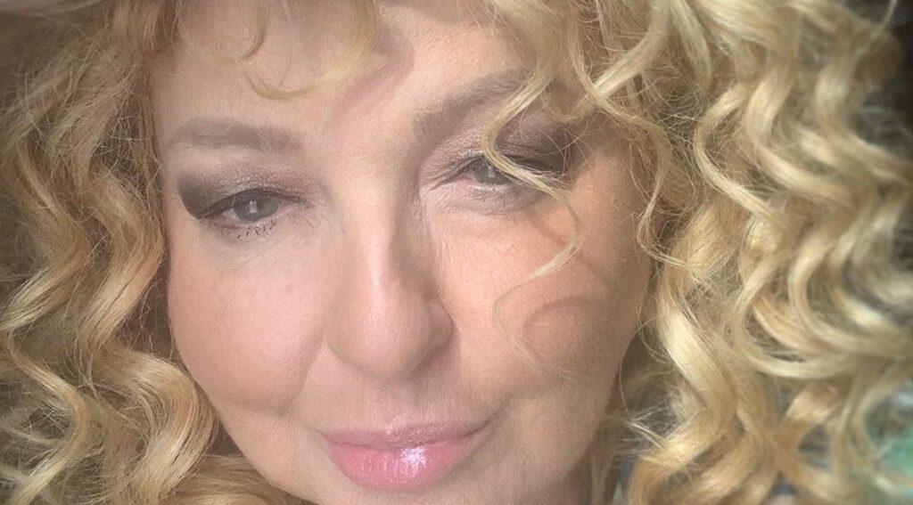 """Magda Gessler ma nowy biznes  """"Ice Queen"""", który promuje na portalu instagram. Gwiazda TVN i show Kuchenne Rewolucje nie do końca przekonała fanów."""