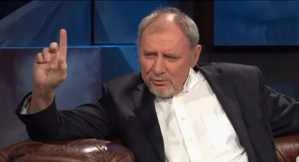 """Andrzej Grabowski,  Patryk Vega i film """"Polityka"""" to gorąco poruszana kwestia w Polsce. Film o prezesie PiS (Jarosław Kaczyński) dotknęła cenzura?"""