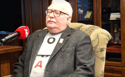 """Lech Wałęsa przyszedł na ślub córki (Magdalena) w koszulce """"KONSTYTUCJA"""", tak jak w USA na pogrzebie Busha Seniora, to już chyba przesada."""