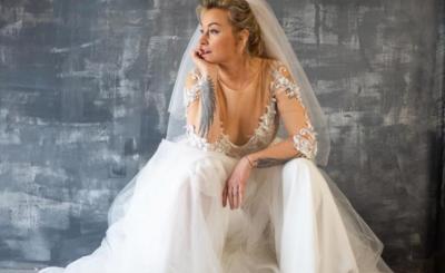 """Czy Martyna Wojciechowska bierze ślub? Gwiazda TVN i """"Kobieta na krańcu świata"""" pokazała się na Instagram w sukni ślubnej, Czy wybrankiem jest Kossakowski?"""