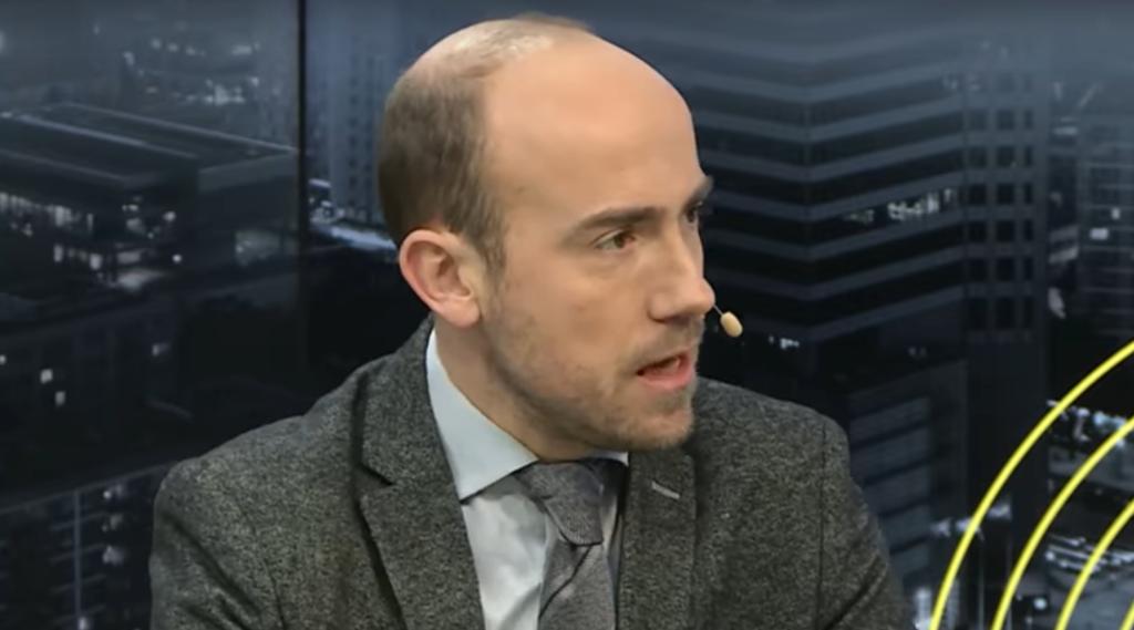 Do wpadki posła PO-KO (Borys Budka) doszło podczas debaty przedwyborczej w TVP. Pokazał rachunek za lek Valcyle na 2082,36 zł, a naprawdę kosztuje 3,20zł.