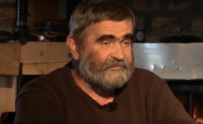 Janusz Rewiński to aktor, satyryk oraz były polityk, który coraz częściej wypowiada się na tematy polityczne w naszym kraju.