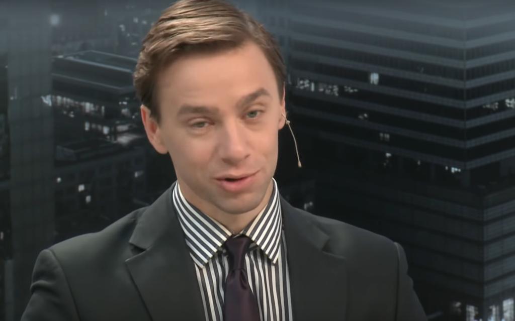 """Do bardzo ciekawej wymiany zdań doszło w TVN24. W programie """"Kropka nad i"""" Krzysztof Bosak z Konfederacji i poseł  PO Cezary Tomczyk starli się ze sobą."""