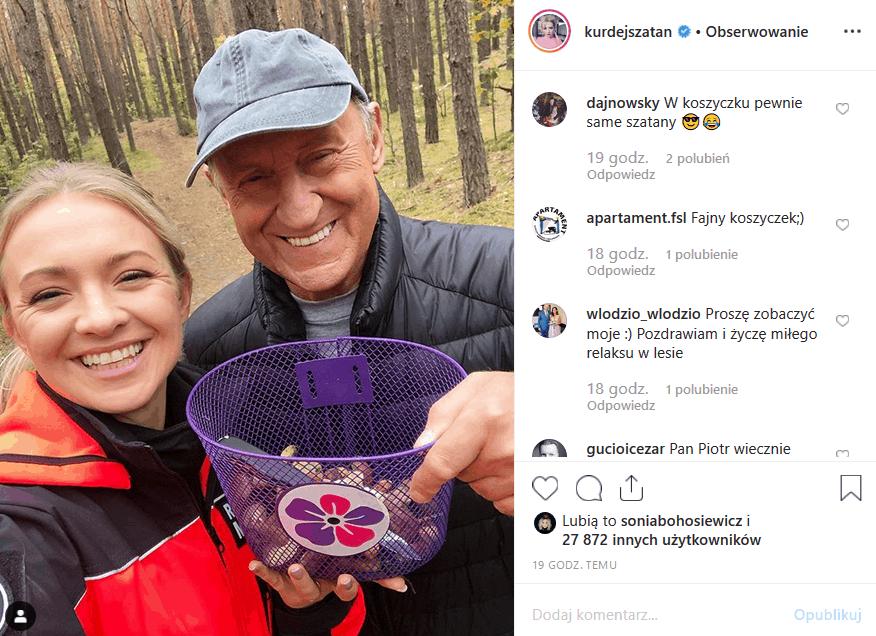 """Basia Kurdej Szatan i Piotr Fronczewski zbierali grzyby na planie serialu TV Polsat """"W rytmie serca"""". Gwiazda TzG pochwaliła się tym w serwisie Instagram."""