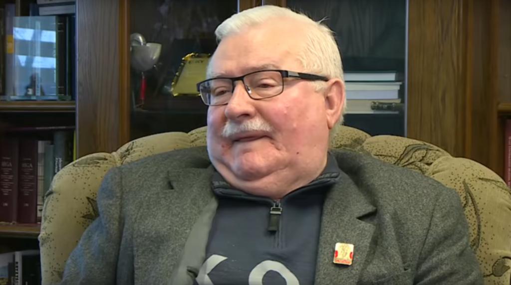 Lech Wałęsa przed wyborami parlamentarnymi wystąpił na konwencji KO,  gdzie wygłosił bardzo kontrowersyjną opinię na temat zmarłego Kornela Morawieckiego.