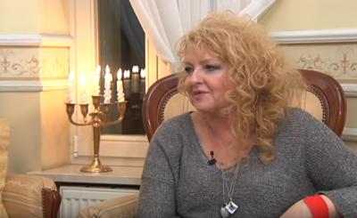 """Gwiazda TVN i programów """"MasterChef"""" i """"Kuchenne rewolucje"""" szaleje. Magda Gessler i Tomasz Muller podbijają świat w programie """"Starsza pani musi fiknąć""""."""