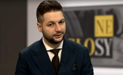 """Patryk Jaki na swoim koncie na Twitterze podsumował zwycięstwa sądowe w 2018 roku. Dziś europoseł PiS deklaruję, że pozwie twórców strony """"Sok z Buraka""""."""