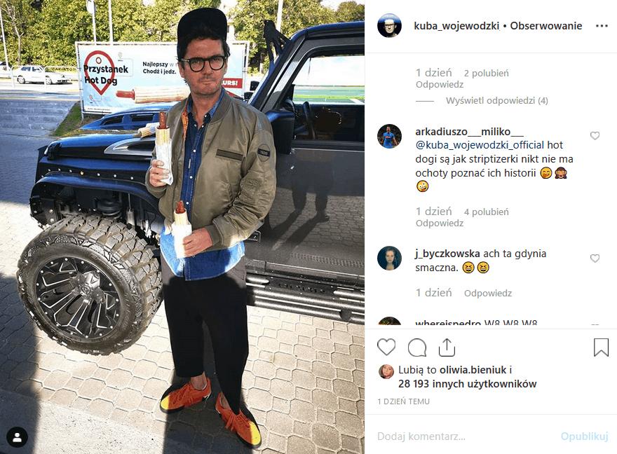 """Gwiazda """"Kuba Wojewódzki Show"""" jest twarzą Circle K. Wojewódzki i hot dog często goszczą w mediach. Śledzący Instagram """"Króla TVN"""" martwią się o niego."""
