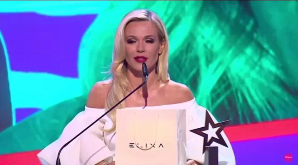 Doda (Dorota Rabczewska) i Janusz Korwin Mikke mają takie same poglądy? Była gwiazda zespołu Virgin umieściła na swoim profilu na portalu Instagram zdjęcie