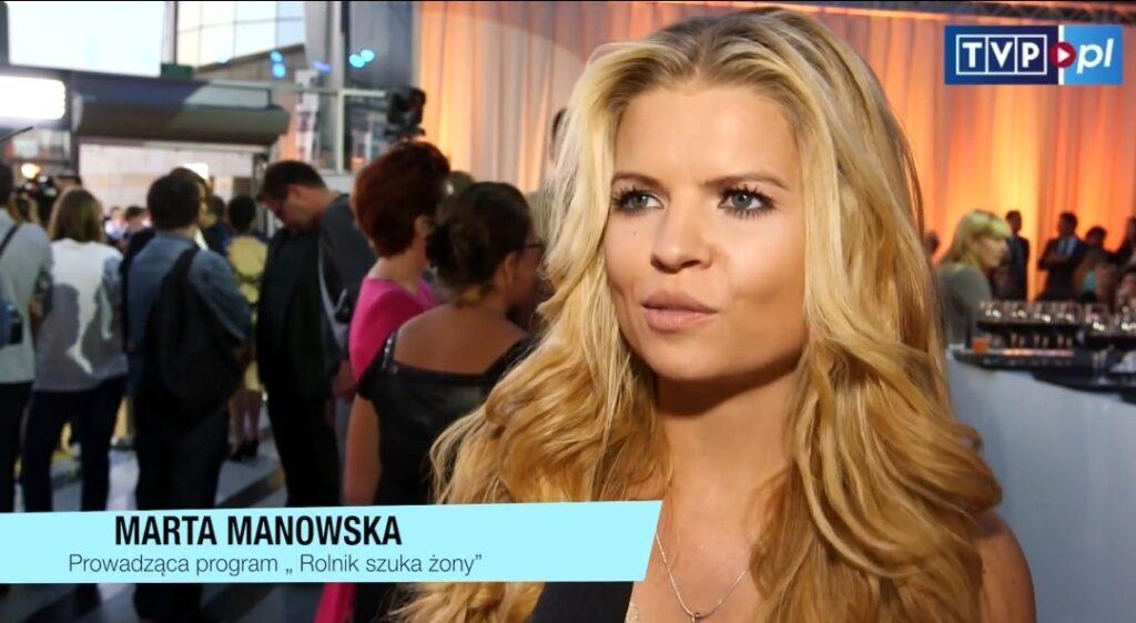 """LGBT w Rolnik szuka Żony?  Krystyna i Robert to gwiazdy drugiej edycji  """"Rolnik szuka Żony""""w TVP, którego prowadzącą jest od 2014 roku Marta Manowska."""