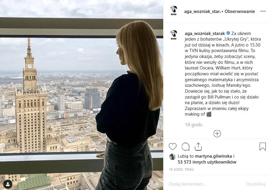 """Agnieszka Woźniak Starak zalicza powrót na Instagram. Gwiazda TVN promuje film """"Ukryta gra"""", który wyprodukował jej zmarły mąż, Piotr Woźniak Starak."""