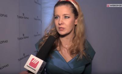 """Anna Powierza nago podbija Instagram! Aktorka serialu """"Klan"""" (TVP1) podzieliła się z fanami fotografią, której nie powstydziłby się """"Playboy""""."""