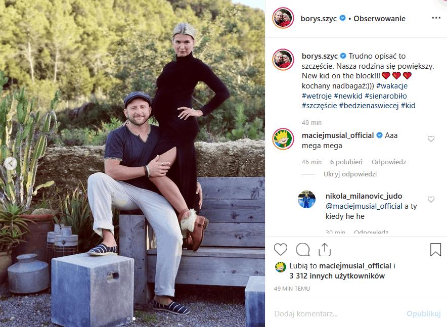"""Borys Szyc i Justyna Nagłowska będą mieli dziecko. Aktor produkcji """"Piłsudski"""" i """"Czas honoru"""" powiadomił o tym fanów poprzez Instagram."""