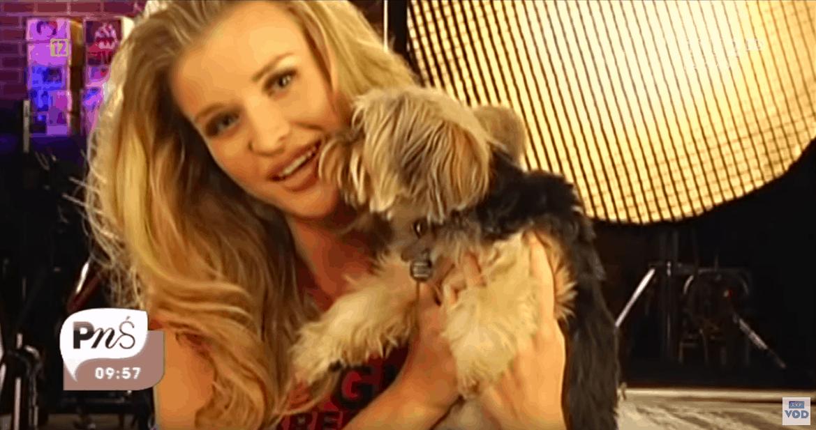 """Joanna Krupa (""""Top model"""" TVN) urodziła dziecko. Fani ją wspierali, ale najnowszy wpis gwiazdy magazynu """"Playboy"""" na Insta to dla nich za dużo"""