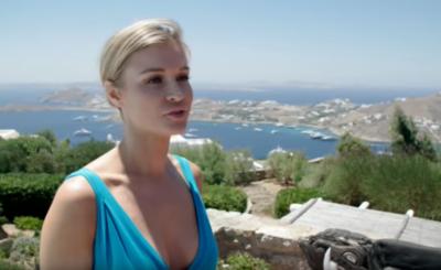 """Joanna Krupa karmi dziecko z butelki? Instagram wścieka się, że gwiazda """"Top model"""" (TVN) i magazynu """"Playboy"""" wychowuje córkę nie tak, jak powinna"""