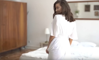 """Młody wiek nie sprawia, że Julia Wieniawa nie dba o siebie. Gwiazda """"Rodzinka pl"""" i """"Zawsze warto"""" (Polsat) dała na Instagram zdjęcie, jak robi szpagat!"""