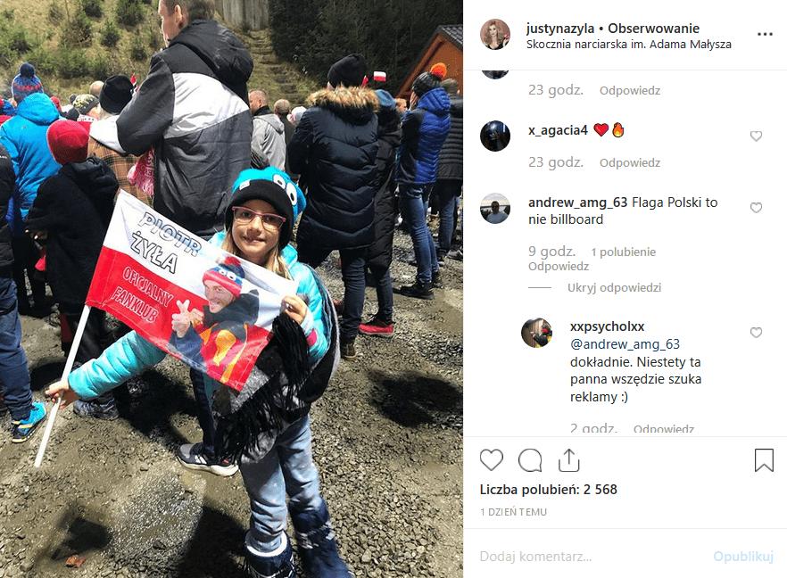 """Justyna Żyła (""""Taniec z gwiazdami"""", Playboy, uważyła.pl) dała na Instagram flagę z napisem """"Piotr Żyła oficjalny fanklub"""". To nie spodobało się fanom."""