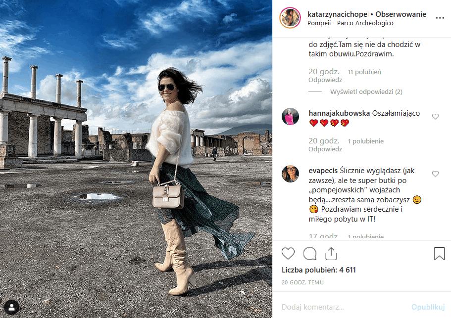 """Wpadka Cichopek w Pompejach wzbudziła wesołość na portalu Instagram. Co miała na sobie gwiazda """"M jak miłość"""" (TVP2) i """"Czar par""""?"""