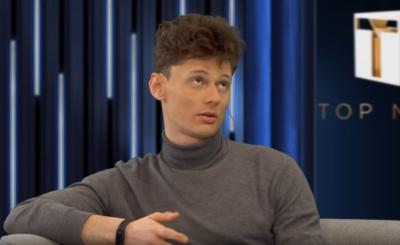 """Finał """"Top model"""" (TVN) wygrał Dawid Woskanian. Joanna Krupa była zastąpiona przez Magdę Mołek, którą wpsierła Michał Piróg. Mimo tego, fani są zawiedzeni."""