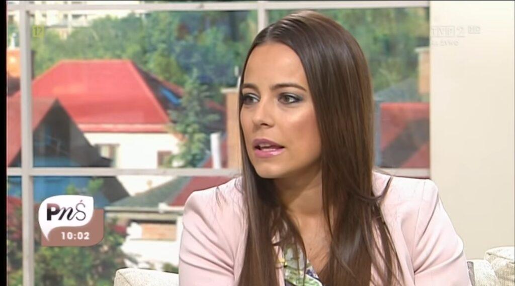 Anna Mucha i jej macierzyństwo to temat,  który bardzo ciekawi fanów gwiazdy TVP i serialu M jak Miłość. Anna ma dwójkę dzieci. Ich ojcem jest Marcel Sora.