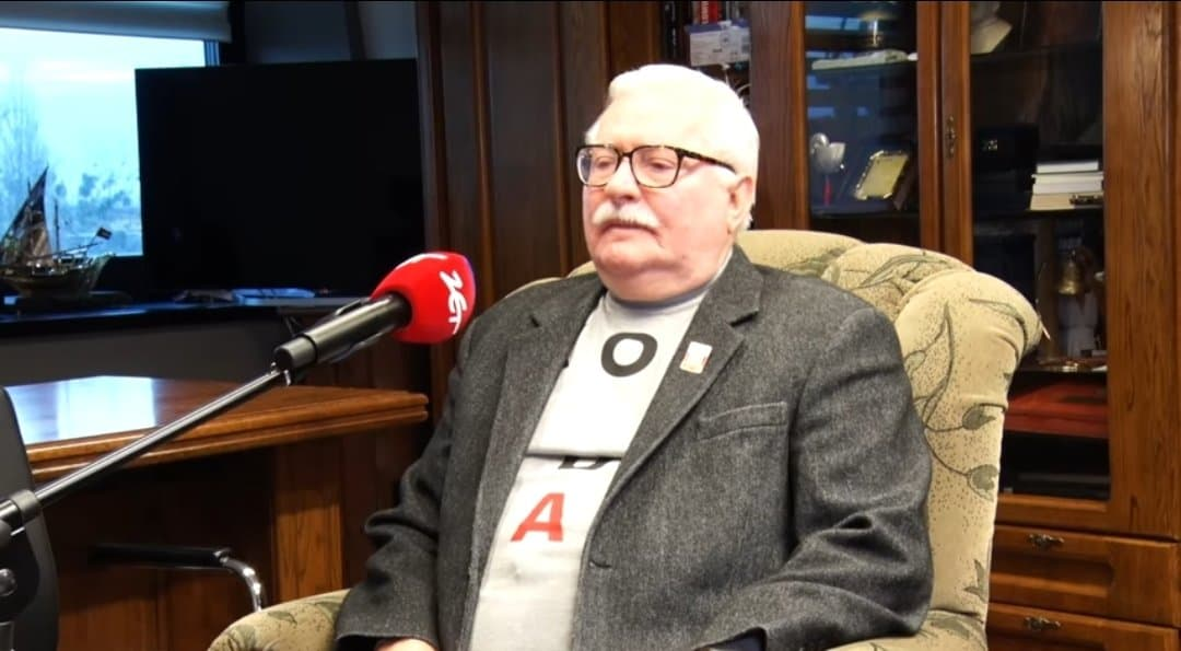 Lech Wałęsa opuścił świątynię, kiedy zapowiedziano przemówienie jakie miał wygłosić prezydent Andrzej Duda. Moment uchwyciła kamera Polsat.