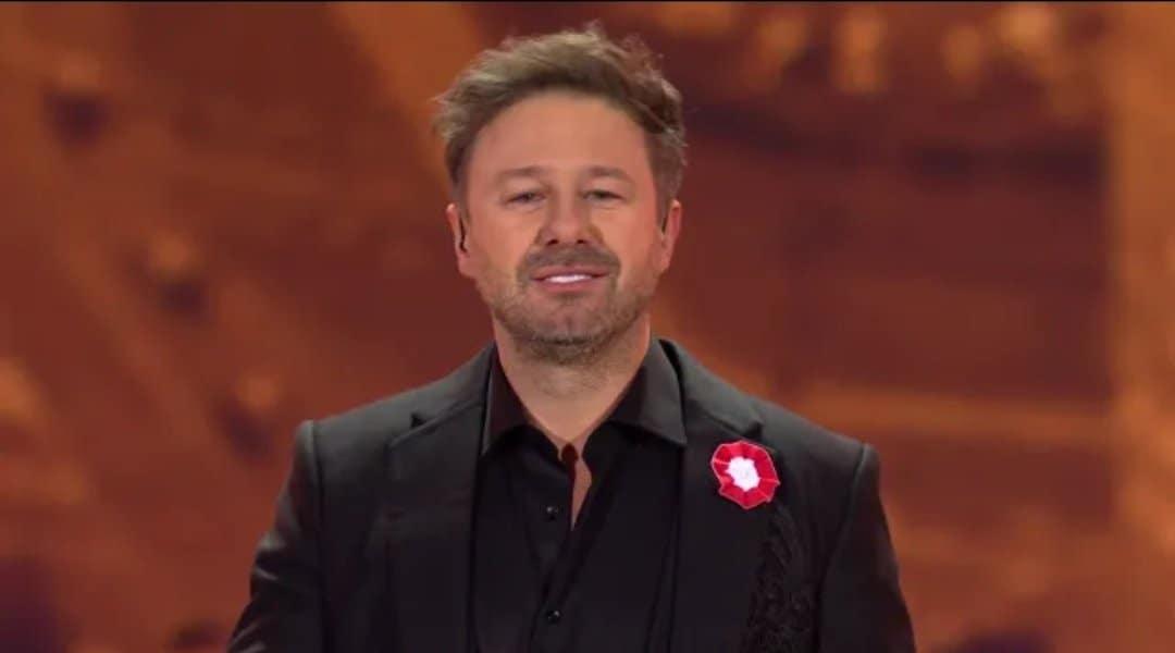 """Andrzej Piaseczny to jeden z byłych trenerów The Voice of Poland, a aktualny trener w The Voice Senior w TVP. Popularny """"Piasek"""""""