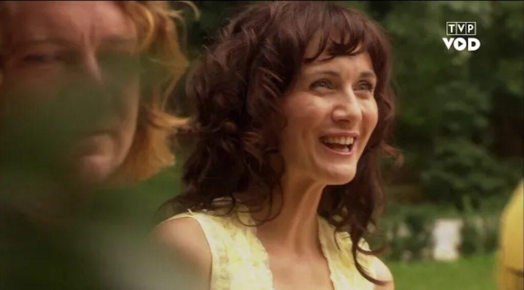 Serial Ranczo to produkcja TVP. Główne postacie w serialu są odgrywane przez takich aktorów jak choćby Ilona Ostrowska,  Paweł Królikowski czy Cezary Żak.