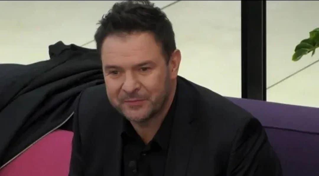 """Tomasz Karolak to aktor znany przede wszystkim z serialu """"Rodzinka PL"""" w TVP oraz serii filmów komediowych pt. """"Listy do M""""."""