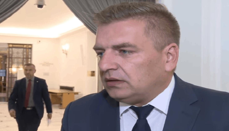Bartosz Arłukowicz to jeden z kandydatów na nowego szefa Platformy Obywatelskiej. Polityk swoją karierę rozpoczynał w SLD, z którego przeszedł do PO