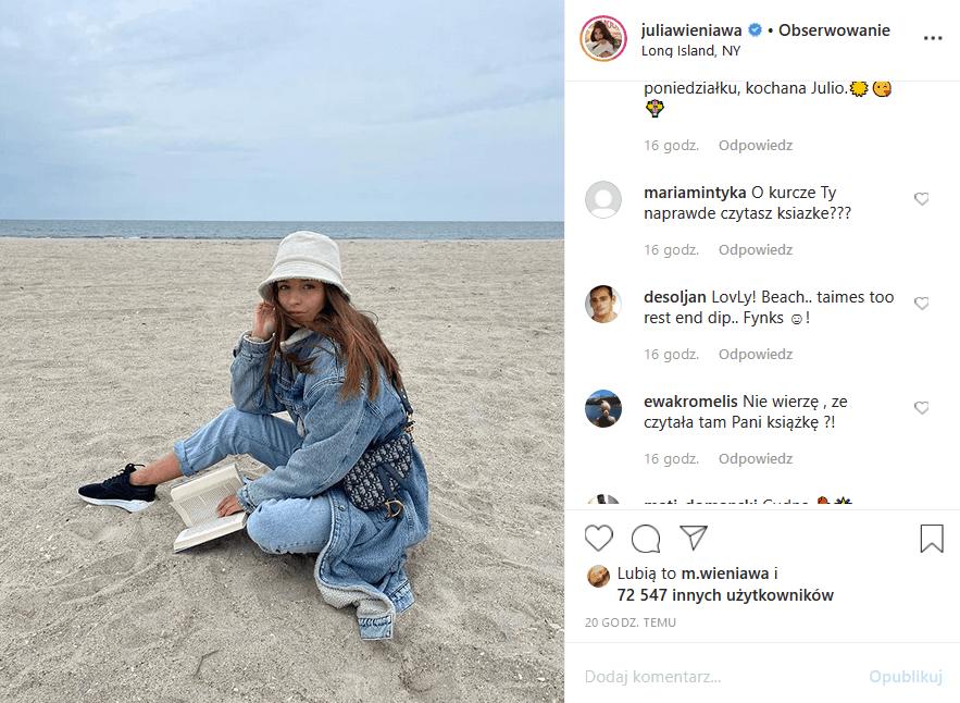 """Julia Wieniawa wrzuciła na Insta zdjęcie z ksiażką, ale fani nie kupili tego i wyśmiali gwiazdę seriali """"Zawsze warto"""" (Polsat) i """"Rodzinka pl"""" (TVP2)"""