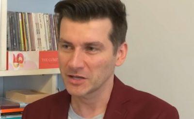 Tomasz Kammel to prowadzący takich programów jak The Voice of Poland czy Dance Dance Dance, przez lata mówiono że jest gejem, a jego związek to fikcja